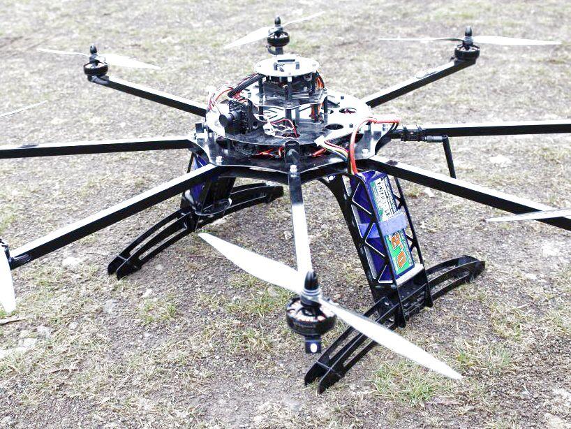 V drone quadcopter avec arduino